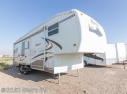 Used 2006  Dutchmen Komfort 261FS by Dutchmen from Bish's RV Supercenter in Idaho Falls, ID
