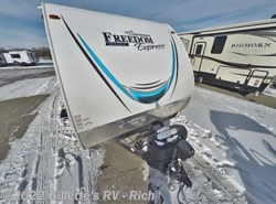 New 2018  Coachmen Freedom Express Special Edition 29SE by Coachmen from Gillette's RV in East Lansing, MI