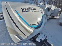 New 2018  Coachmen Freedom Express Liberty Edition 323BHDS by Coachmen from Gillette's RV in East Lansing, MI