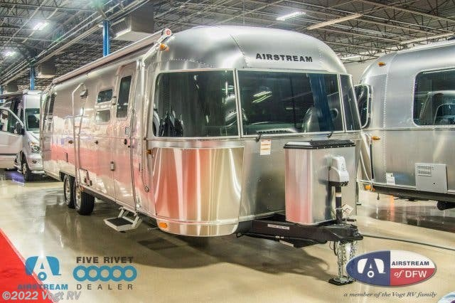 2019 Airstream RV Flying Cloud 30RB for Sale in Fort Worth, TX 76111 |  KJ547998