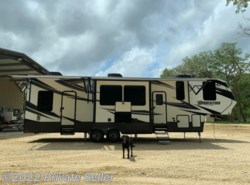 Used 2017  Grand Design Momentum 350M