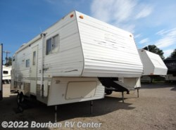 Used 2004  Skyline Layton Lake View 2505 by Skyline from Bourbon RV Center in Bourbon, MO