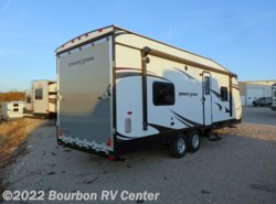 New 2017  Gulf Stream Track & Trail 24RTHSE by Gulf Stream from Bourbon RV Center in Bourbon, MO