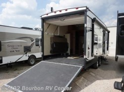 Used 2017  Gulf Stream Track & Trail 24RTHSE by Gulf Stream from Bourbon RV Center in Bourbon, MO
