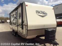 Used 2017  Forest River Flagstaff Micro Lite 25BHS by Forest River from Capital RV Center, Inc. in Minot, ND