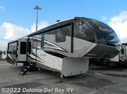 New 2018  Forest River Cardinal 3456RL by Forest River from Colonia Del Rey RV in Corpus Christi, TX