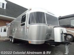 New 2017  Airstream International Serenity 27FB Queen