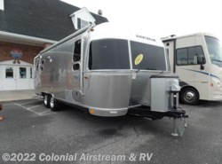 Used 2017  Airstream Flying Cloud 25FB Queen by Airstream from Colonial Airstream & RV in Lakewood, NJ