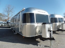 New 2018  Airstream Classic 33FBQ Queen by Airstream from Colonial Airstream & RV in Lakewood, NJ