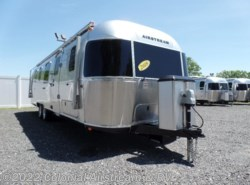 Used 2018  Airstream Classic 33FBT Twin by Airstream from Colonial Airstream & RV in Lakewood, NJ