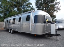 Used 2018 Airstream Classic 33FBQ Queen available in Lakewood, New Jersey