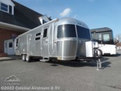 2020 Airstream Flying Cloud 30RBT Twin