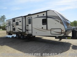 New 2017  Forest River Wildcat 322TBI by Forest River from Crossroads Trailer Sales, Inc. in Newfield, NJ