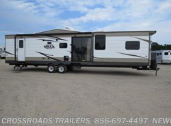 Used 2017  Forest River Salem Villa 426-2B by Forest River from Crossroads Trailer Sales, Inc. in Newfield, NJ