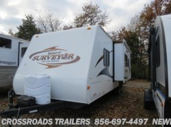 Used 2011  Forest River Surveyor SP-280 by Forest River from Crossroads Trailer Sales, Inc. in Newfield, NJ