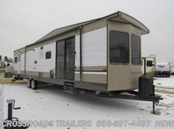 New 2018  Forest River Salem Villa 39FDEN by Forest River from Crossroads Trailer Sales, Inc. in Newfield, NJ