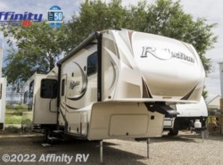 Used 2015  Grand Design Reflection 323BHS by Grand Design from Affinity RV in Prescott, AZ